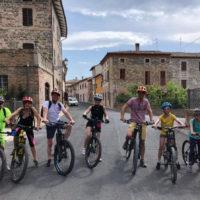 4_ Passeggiata con Fabiano Ventura ospite di i borghi di Aff in Ebike